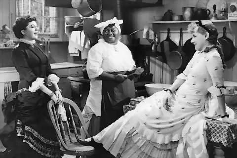 """Helen Morgan, Hattie & Irene Dunne in """"Show Boat"""" (1936)."""