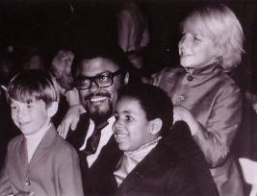 Rosey Grier, Michael Link, Marc and Darby Hinton,