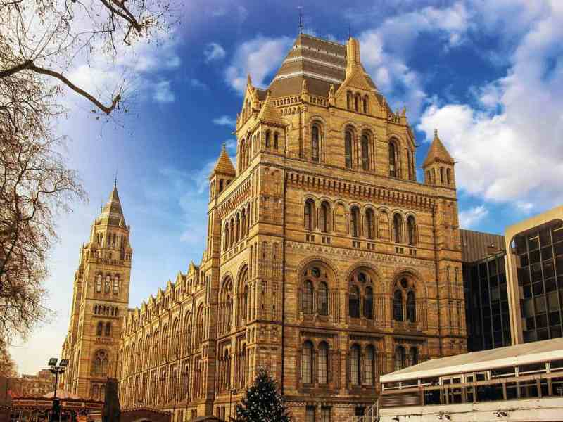 Advanced MxPro panels are installed in London's Natural History Museum.
