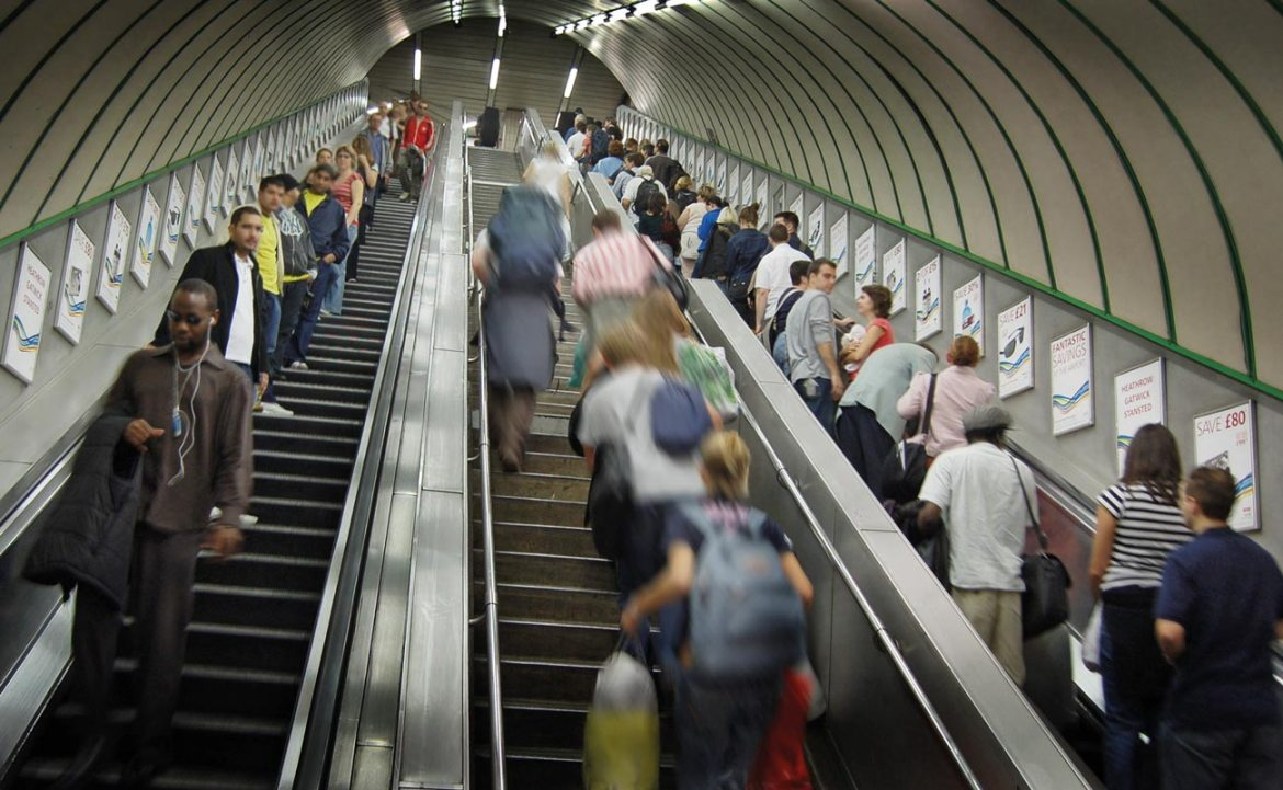 Escalators are confined spaces, fire protection is challenging.