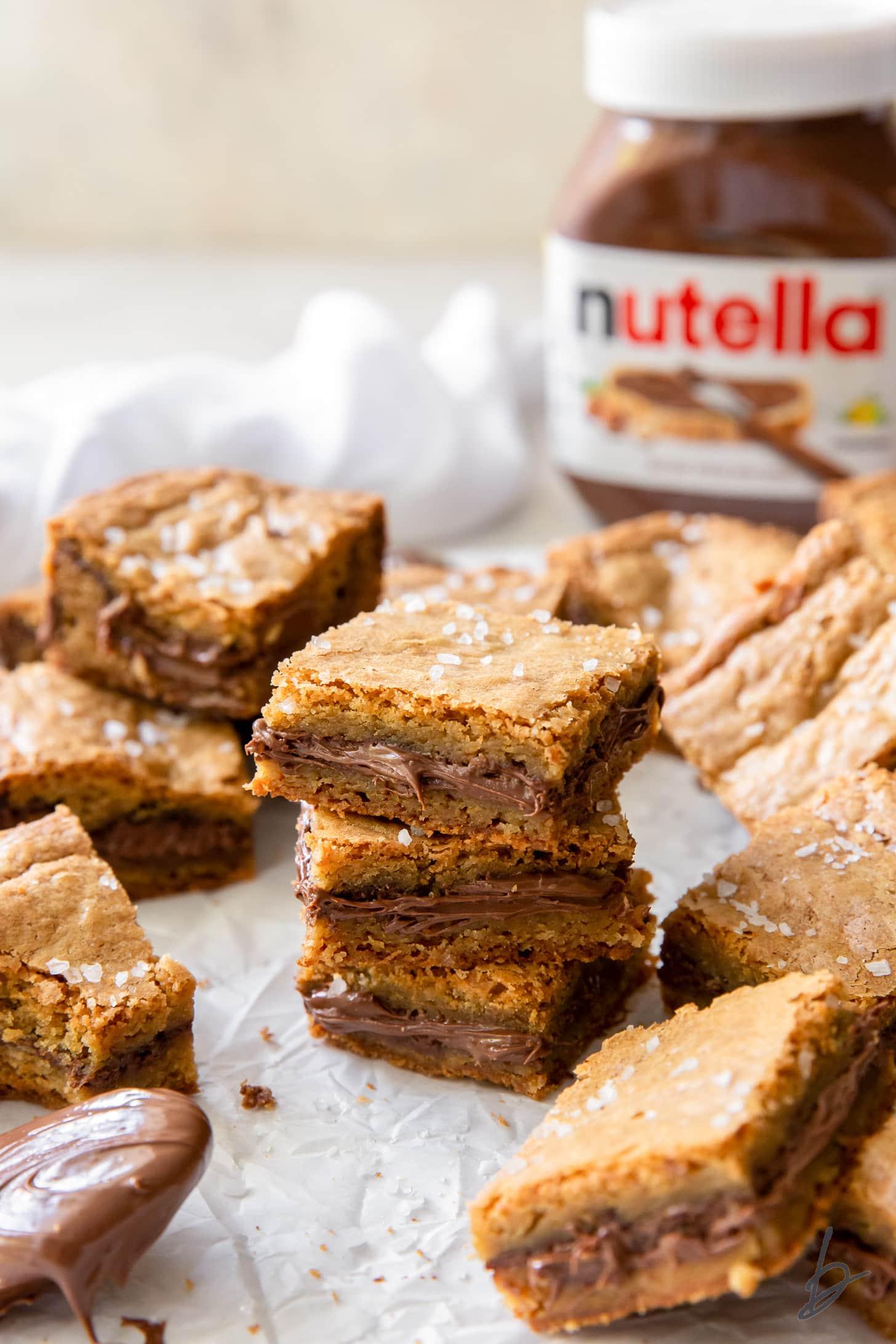 nutella blondies with chocolate hazelnut in the center