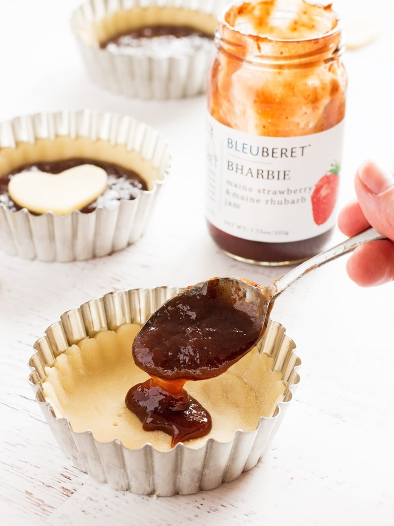 Strawberry rhubarb jam tarts are perfect for Valentine's Day! #bleuberet #sponsored   www.ifyougiveablondeakitchen.com