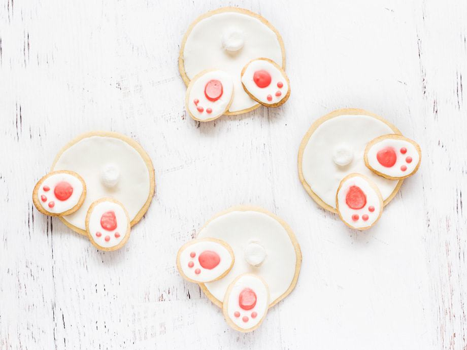 Bunny butt cookies are iced sugar cookies perfect for Easter!   www.ifyougiveablondeakitchen.com