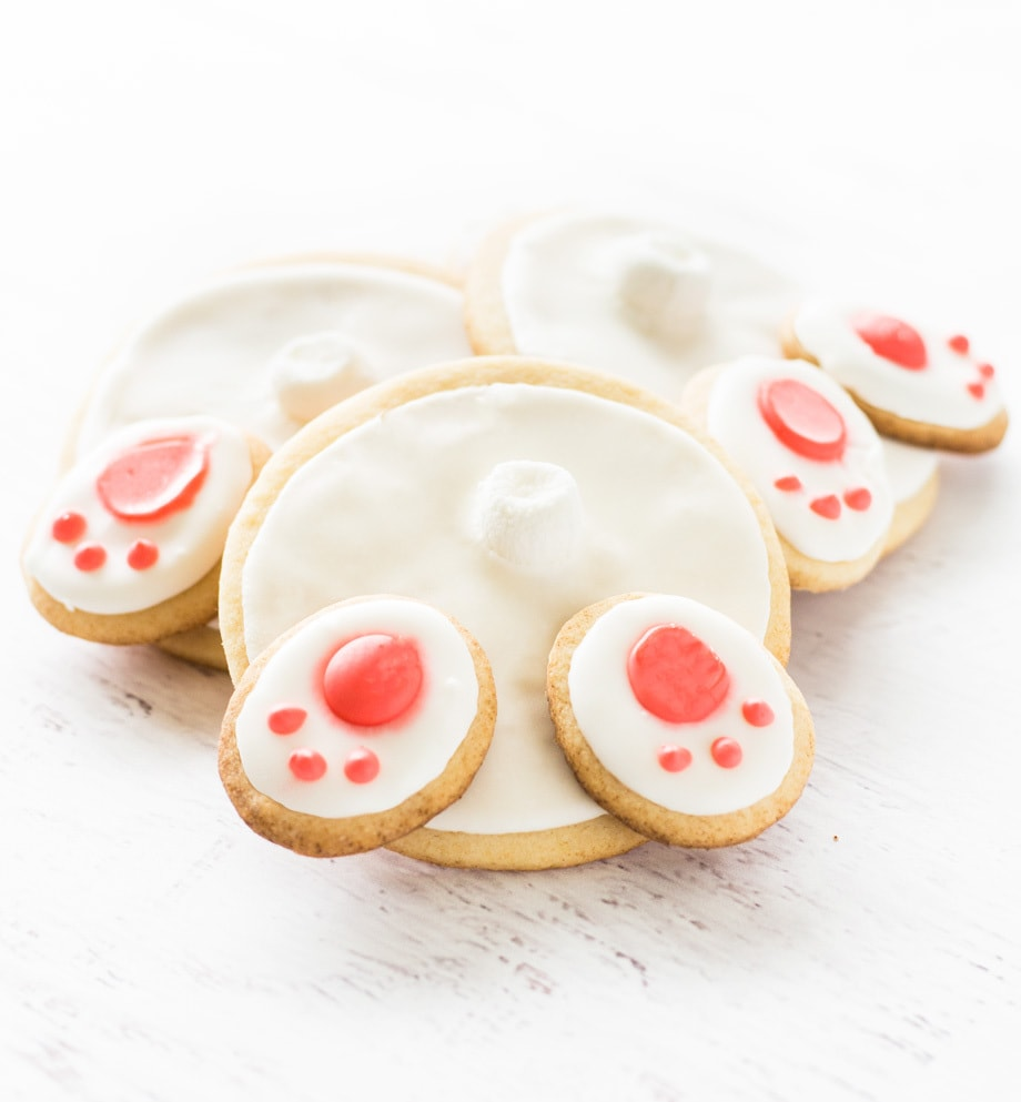 Bunny butt cookies are iced sugar cookies perfect for Easter! | www.ifyougiveablondeakitchen.com