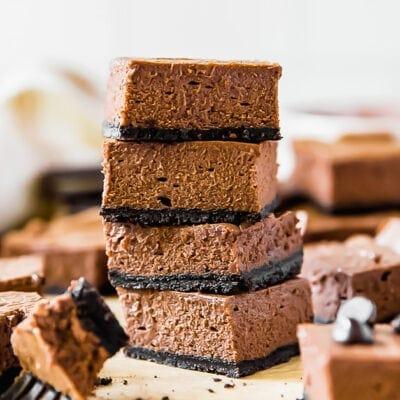 Chocolate cheesecake bars with Oreo crust recipe | www.ifyougiveablondeakitchen