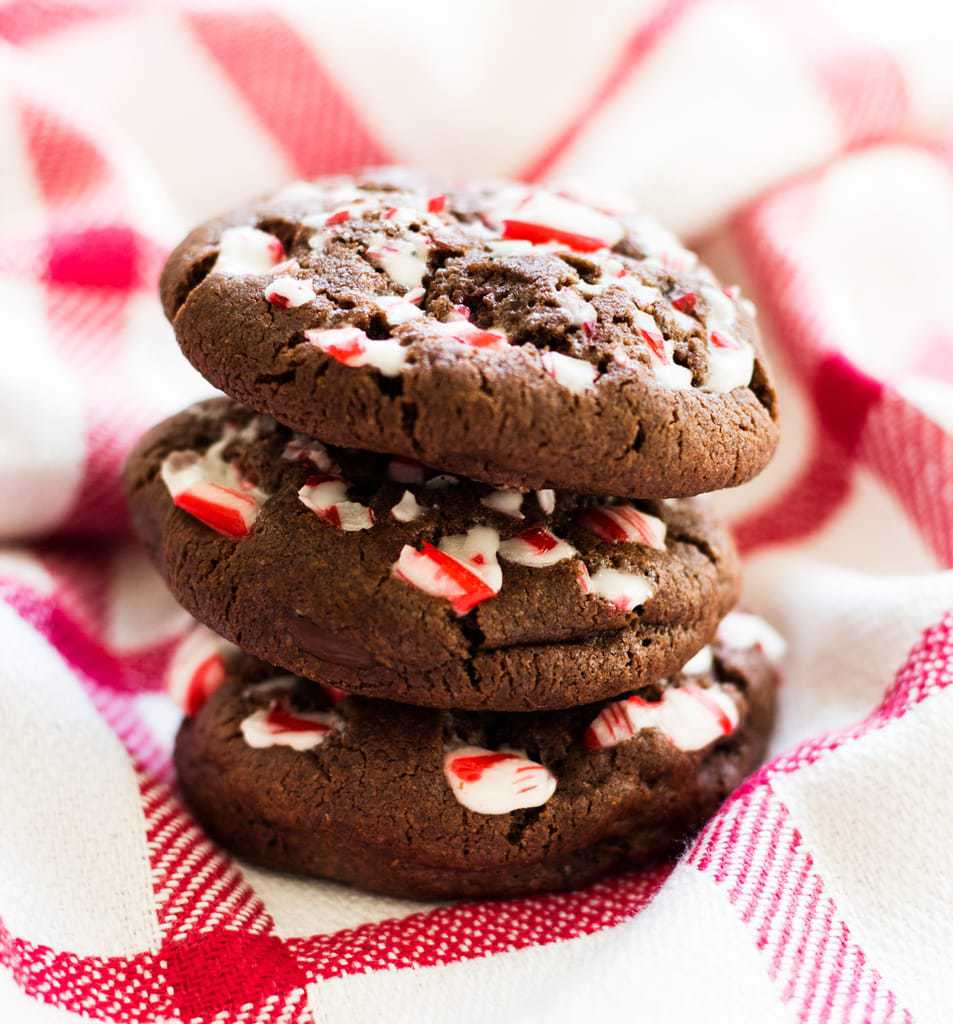 Double chocolate peppermint cookies are a great gift for Christmas. Try this recipe for holiday cookie swaps too! | www.ifyougiveablondeakitchen.com