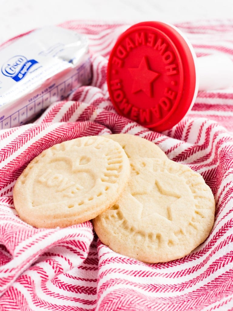 Use this sugar cookies recipe with shortening to make stamp cookies! They are thick, light and perfect for Christmas! | www.ifyougiveablondeakitchen.com
