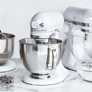 white kitchenaid stand mixer with metal bowl