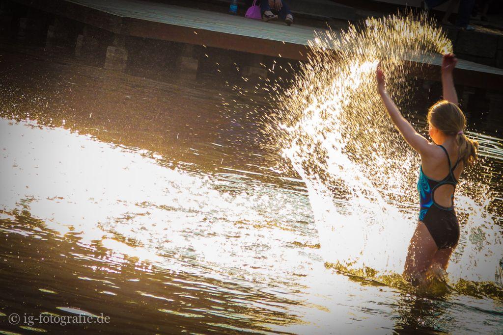 Fotomotive im Sommer: Sommerbadespaß im Wasser