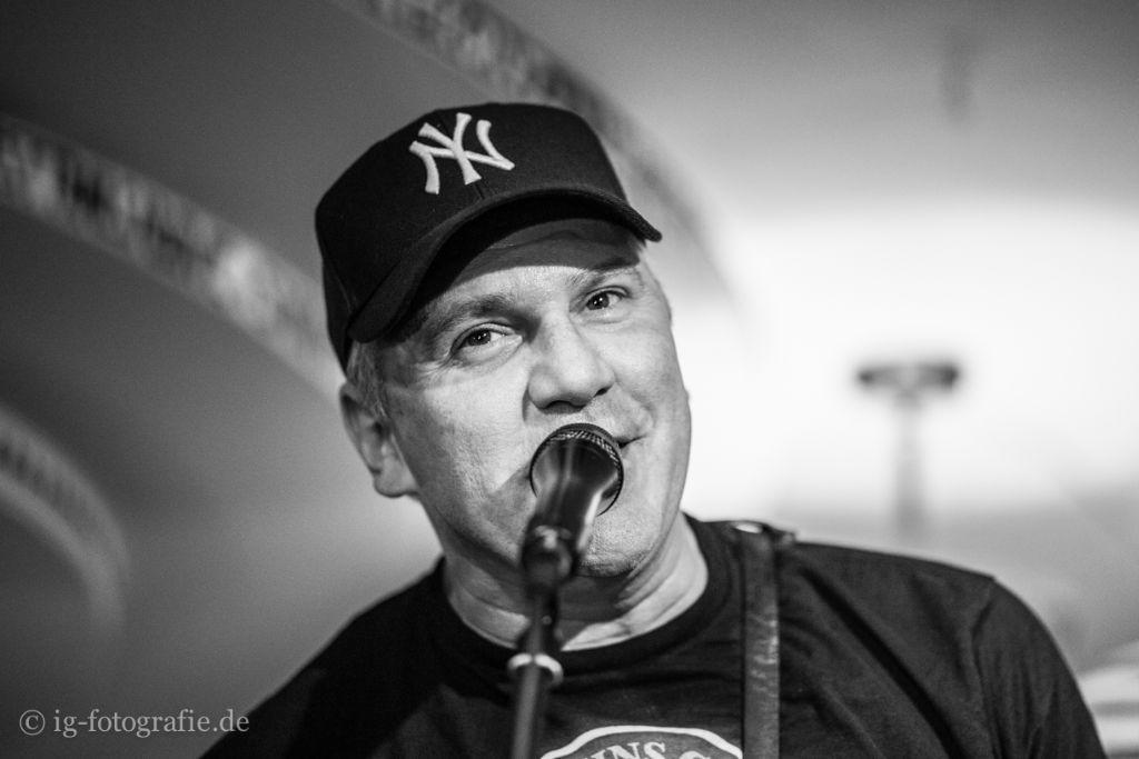 CJ-Ramone-live-Berlin-15
