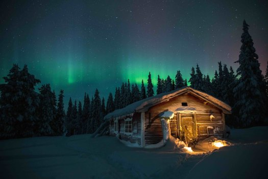 night-house-polar-circle