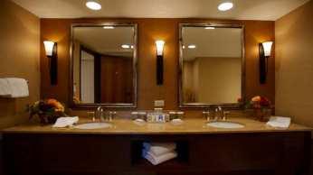 King Suite Vanity