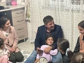 Iğdır Valisi Sarıibrahim'den 9 kız kardeşe sürpriz ziyaret