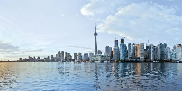 img_insights_how_skylines_reflect_and_develop_a_citys_personality_toronto_skyline-2186512