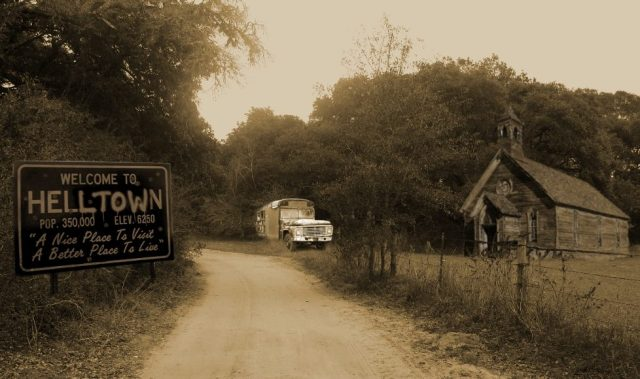 16-welcome-to-helltown-2310904