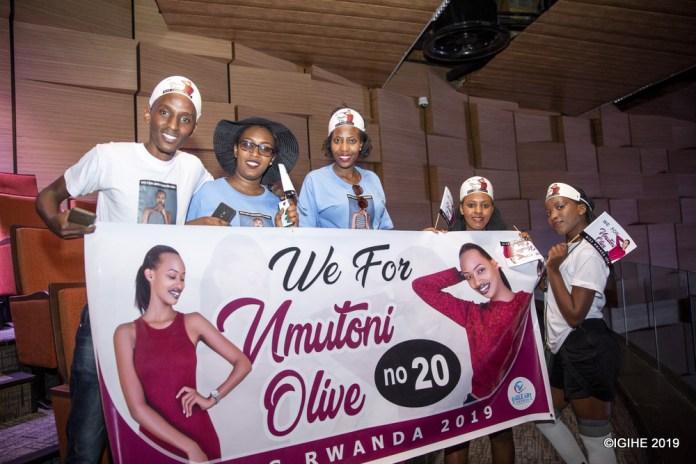 Bitwaje icyapa kiriho Mutoni Olive nk'umukobwa bafana