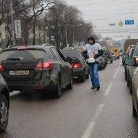 Воронежцы отдают деньги «незнакомым дядям» словно зазомбированные прямо на улице