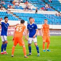 После позорного матча «Факела» двух его футболистов уговаривали поблагодарить болельщиков