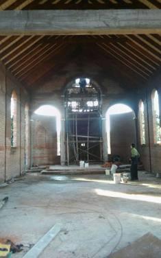 imagen de la capilla que construyen en la gloria de la peregrina y recibio aporte de mc3a1s por menos