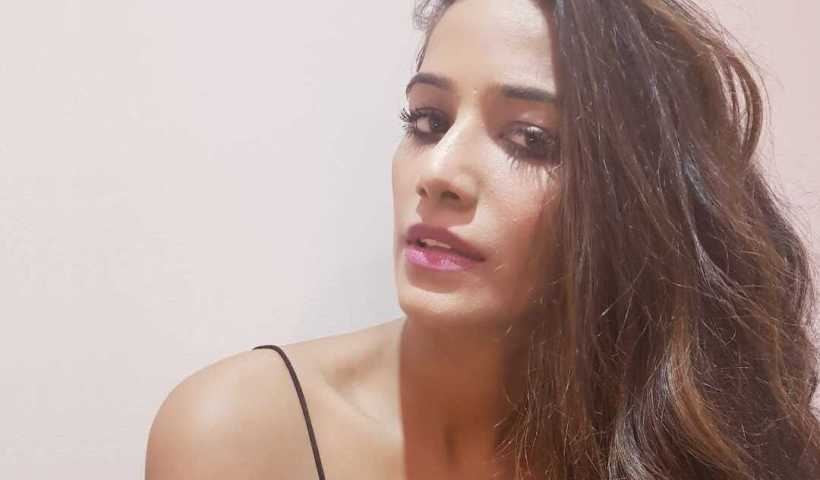 Poonam Pandey's Instagram Live Stream from March 7th 2020.