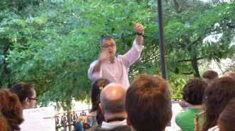 Dirigiendo un ensayo de la Banda Municipal de Música de Astorga Homenaje a Francisco Blanco, agosto de 2012
