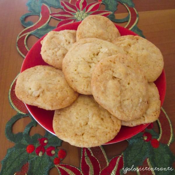 Cookies al cioccolato bianco e noci di macadamia