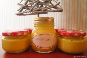 Vasetti di lemon curd fatto in casa