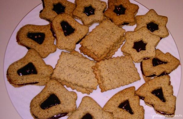 Biscottini di grano saraceno con marmellata di lamponi