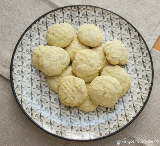 Biscottini profumati al lime e rosmarino