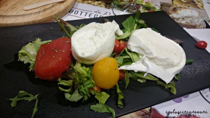 burratina di Andria con pomodorino fresco