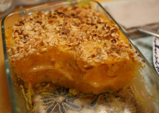 Gateau di patate, zucca, nocciole e fontina