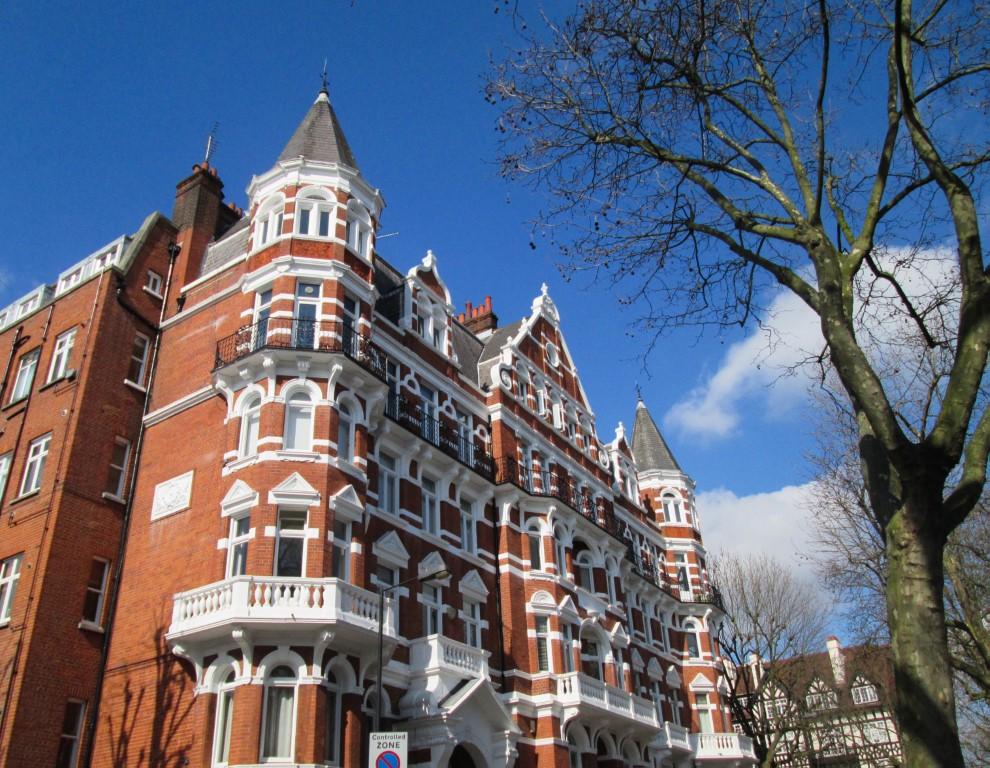 Londra a piedi: itinerario da Holland Park a Camden Town
