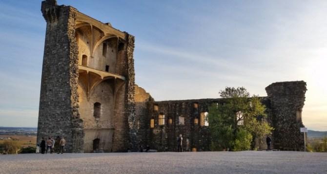 Châteauneuf du Pape resti castello