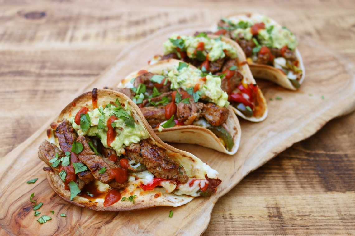 Cheesy Steak Tacos | igotitfrommymaman.com