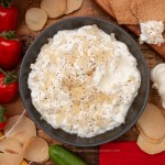 Mast-e Mosir Recipe | Persian Solo Garlic Yoghurt Dip Mast Mosir is a delicious Persian yogurt dip. Solo garlic has a mild, nutty flavour, making this dip so tasty and smooth. igotitfrommymaman.com #persianrecipes #persianfood