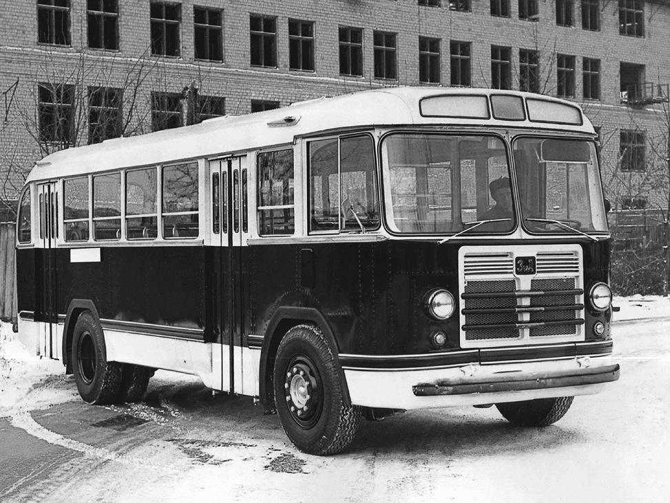 ЗиЛ-158 был немного длиннее 155-й модели