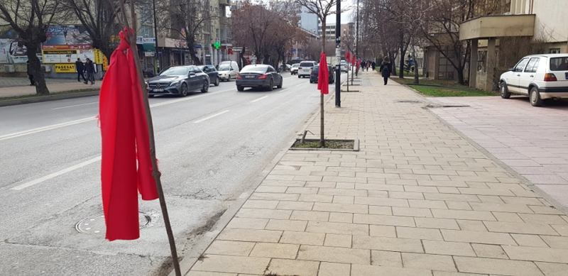 Is red ribbon making a comeback in the Balkans too?