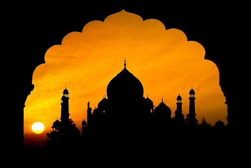 Product image link to buy 'Fluted Arch Taj Mahal' by Glen Allison