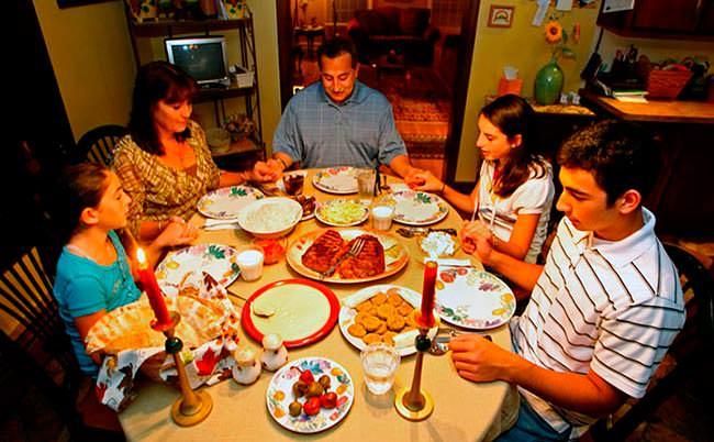 9 самых необычных семейных традиций со всего мира