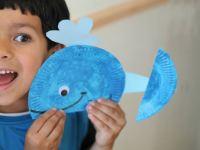 Милый кит из простой бумажной тарелки