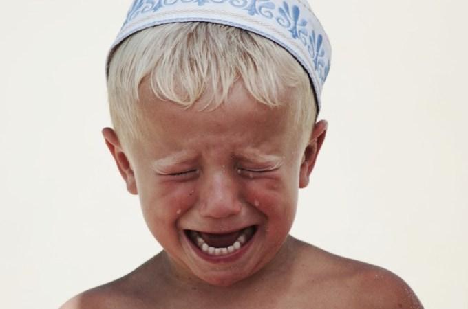 мальчики тоже плачут