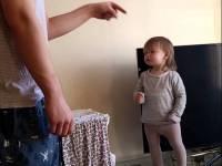 Милое выяснение отношений между папой и дочерью