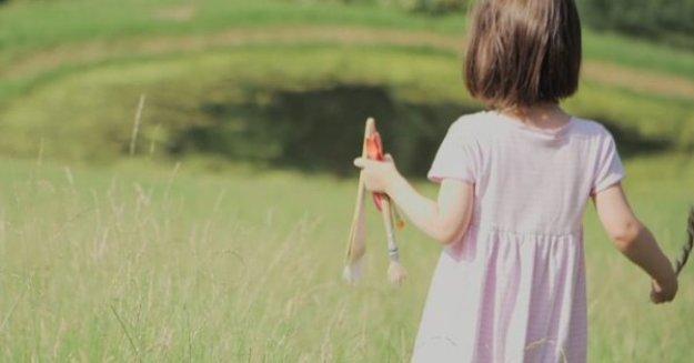 5-летняя-девочка-аутист-рисует-красивые-картины-айрис-грейс