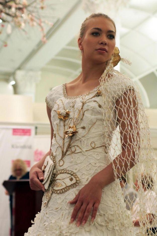 платье из бумаги