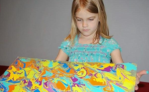 рисование растекающейся краской