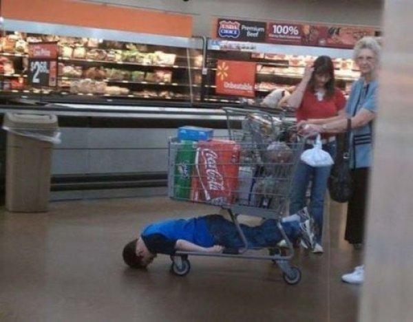 с ребенком за покупками