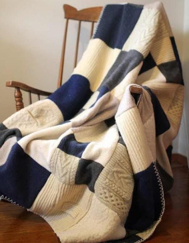 Плед из разных свитеров