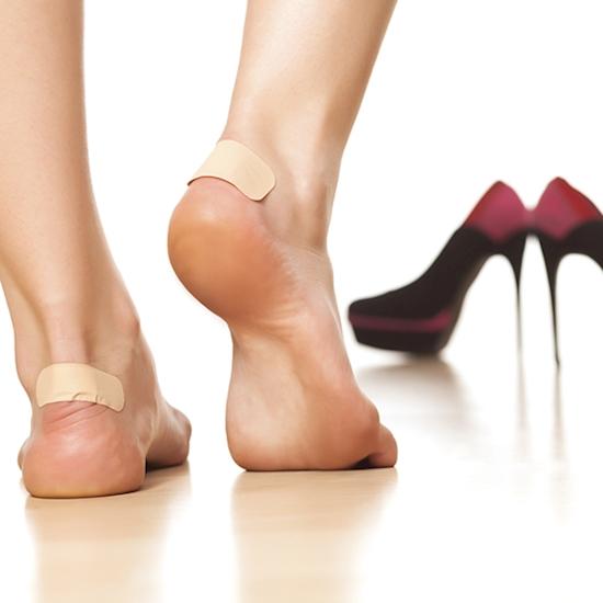 Когда натирает обувь - положите в задники немного ваты