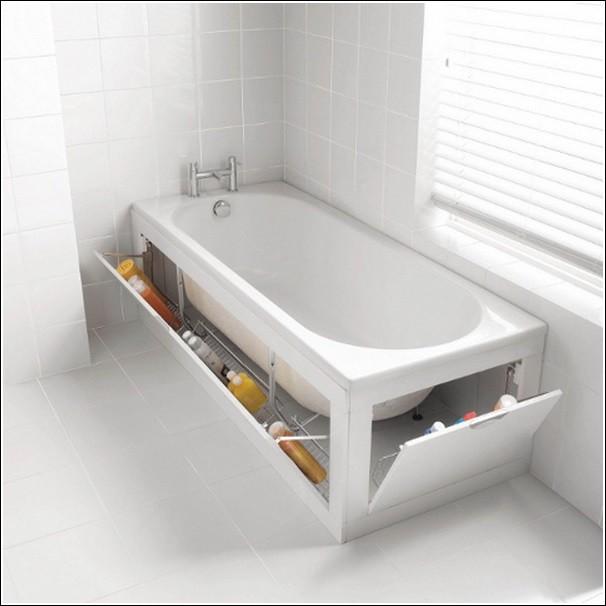 Место под ванной стоит оборудовать под полочки для шампуней. Так ванная комната будет выглядеть чище и просторнее