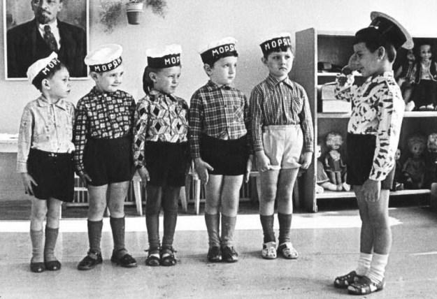 Мальчишки тогда еще мечтали быть простыми моряками